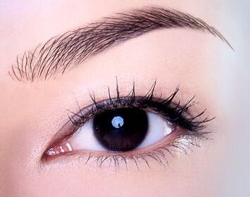 纹眉和绣眉的区别是什么