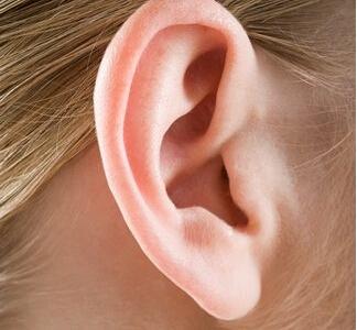 耳廓较大缺损时是如何修复的